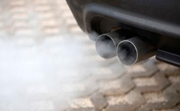 O seu carro liberta demasiado fumo? Cuidado, pode sair-lhe caro
