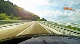 Precauções para conduzir com vento forte