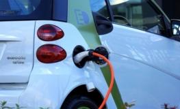 Saiba como carregar um carro elétrico