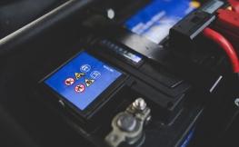 Sabe como detetar que a bateria do seu carro está no fim?